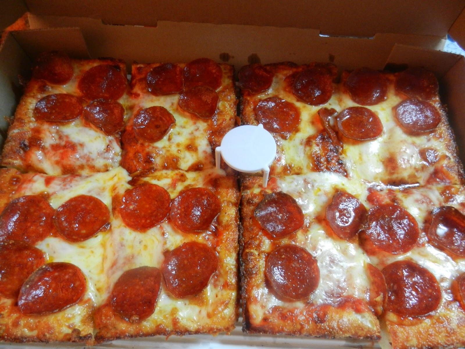 Pizza Tannenbaum.Win A 25 Jet S Pizza Gift Card Jeff Eats